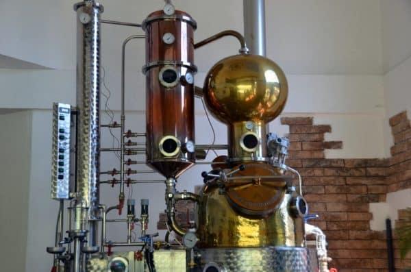 Destiladora