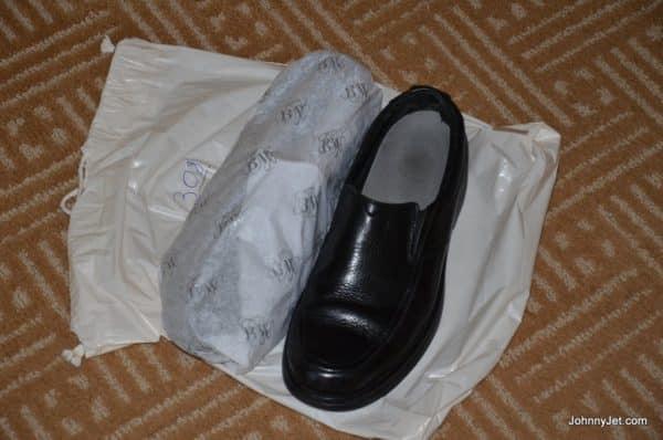 Free shoeshine