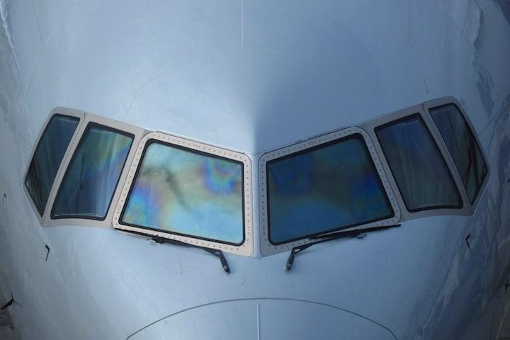 Cockpit windows of a B777-300ER (Credit: Wikimedia Commons)