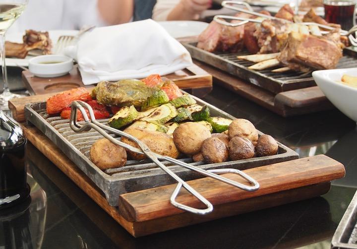 Vegetables and carne