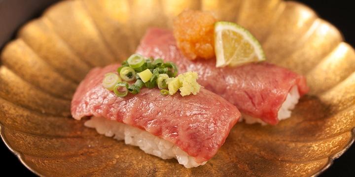 Hida beef sushi at Kaikagetsu