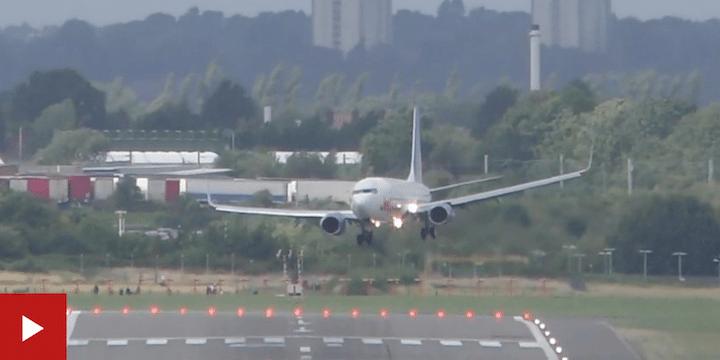 Video: Pilot makes difficult landing